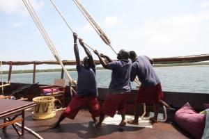 Putting up the Tusitiri sail